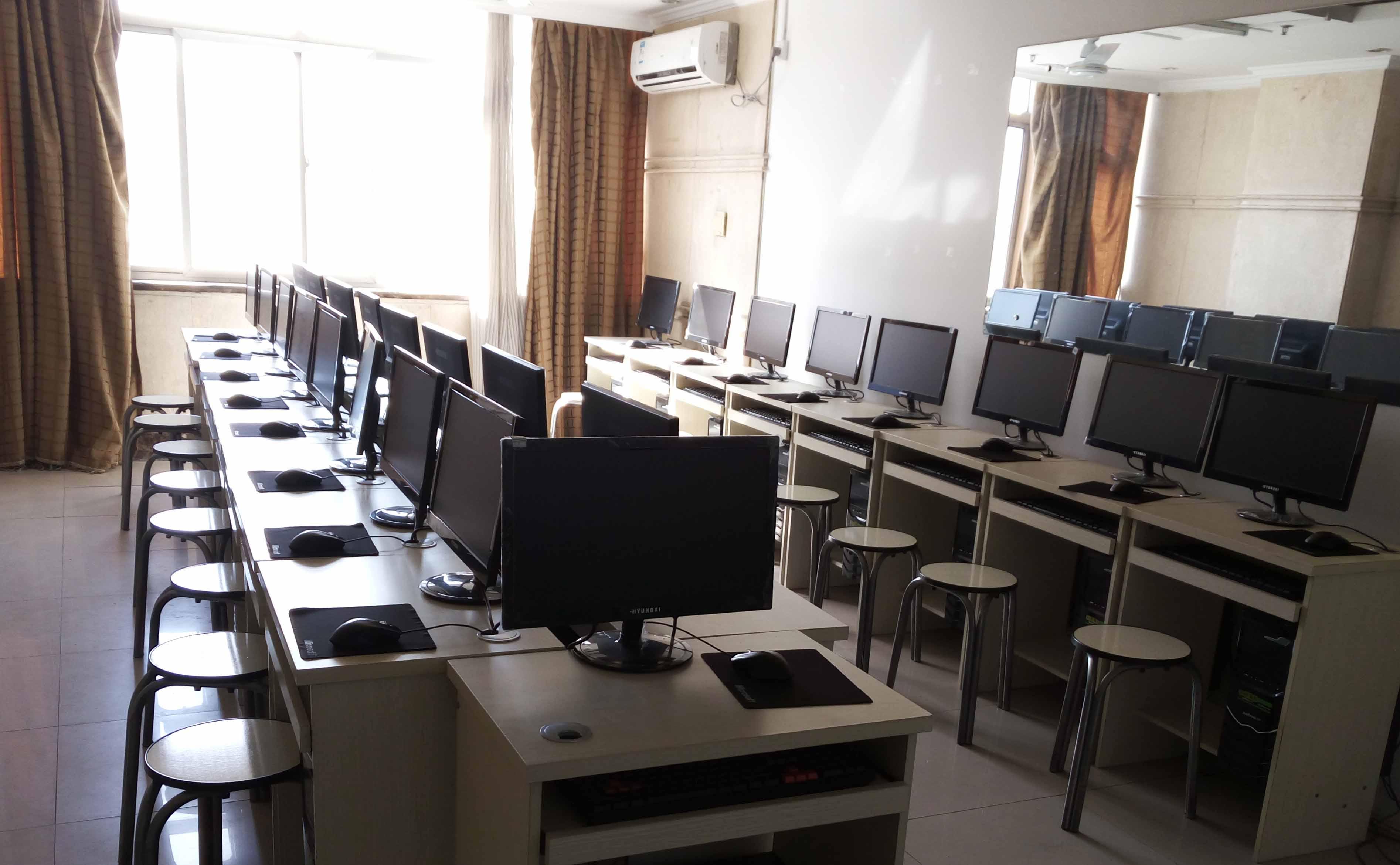 新东升电脑教室